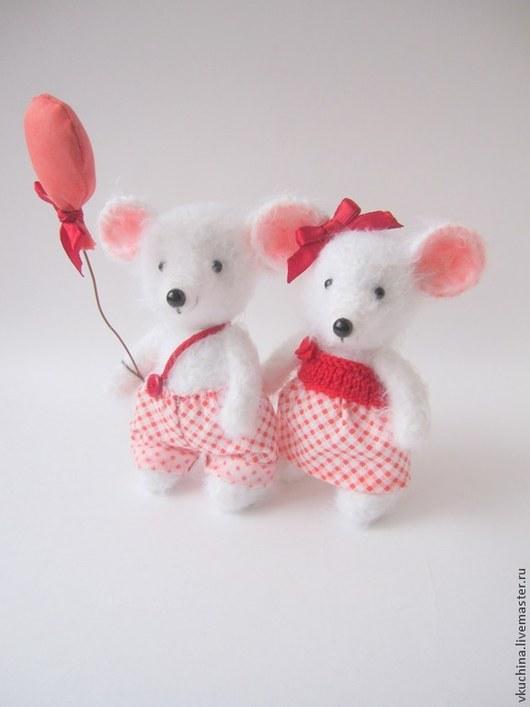 белый красный мышь мыши мышки вязаные мыши вязаные мышки вязаная мышь вязаные игрушки мышки крючком игрушки крючком мыши белые мышки белые авторская мышка авторская игрушка год крысы сувенир мышата мышонок мышка игрушка игрушка подарок