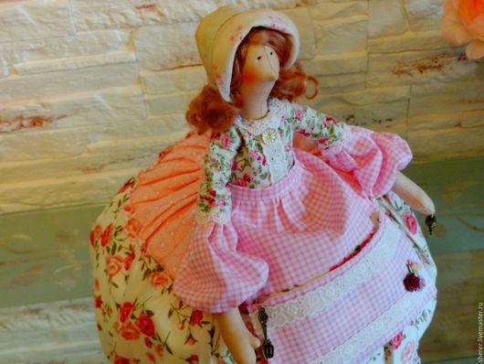 Куклы Тильды ручной работы. Ярмарка Мастеров - ручная работа. Купить Куколка Тильда на чайник. Handmade. Розовый, Овечьи кудри