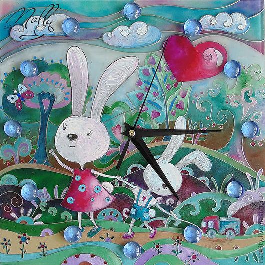 """Часы для дома ручной работы. Ярмарка Мастеров - ручная работа. Купить Детские часы """"Зайцы на прогулке"""". Handmade. Часы стеклянные"""