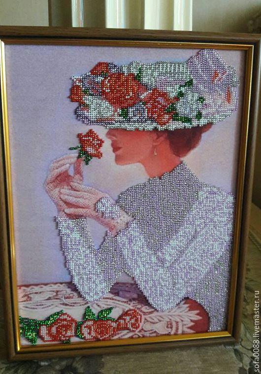 Картины цветов ручной работы. Ярмарка Мастеров - ручная работа. Купить Женщина с розой. Handmade. Розы, голубой, бисер чешский