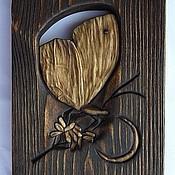 Картины и панно ручной работы. Ярмарка Мастеров - ручная работа Резное панно - Мотылёк, собирающий лунную пыль. Handmade.