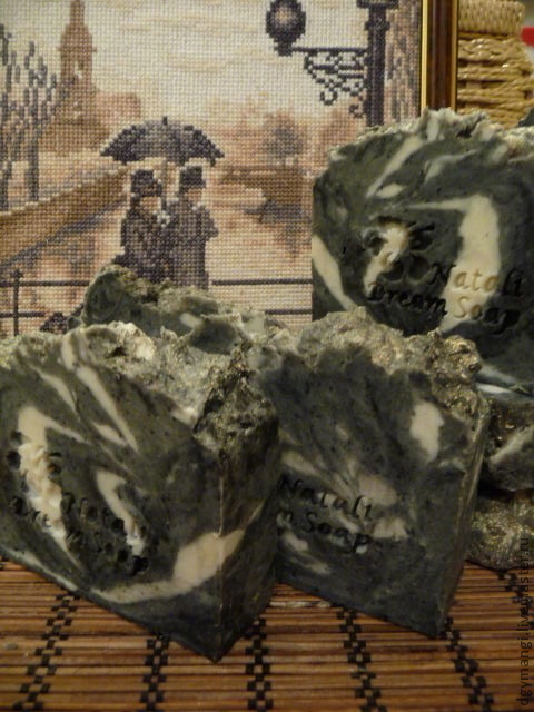 Мыло ручной работы. Ярмарка Мастеров - ручная работа. Купить Соляно - угольное с вулкан. грязью. Натуральное мыло с нуля. Handmade.