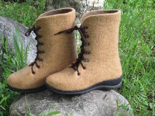 """Обувь ручной работы. Ярмарка Мастеров - ручная работа. Купить Войлочные ботинки """"Карамель"""". Handmade. Бежевый, валенки на подошве"""