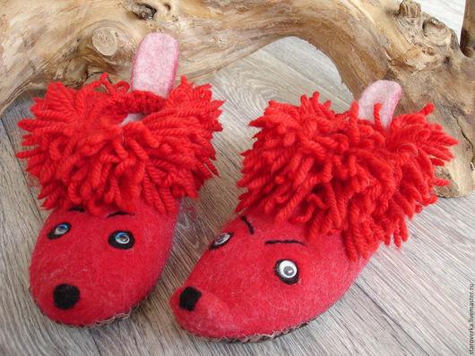 валяные детские тапочки, забавные, теплые, мягкие, красного цвета для мальчика или девочки. Подарок на 8 марта, 23 февраля.
