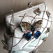 "сумочка из кожи со съемными брошами ""Бабочки"""