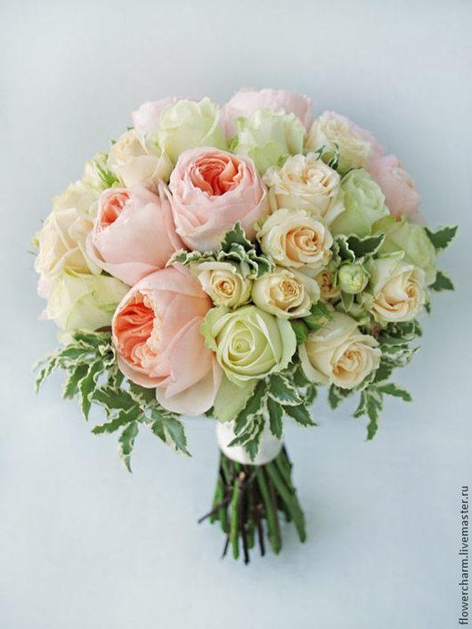Кремово-персиковый букет невесты