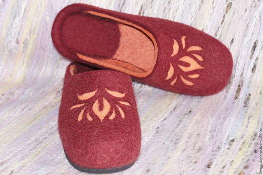 """Обувь ручной работы. Ярмарка Мастеров - ручная работа. Купить Тапочки валяные """"В багряном закате"""". Handmade. Валяная обувь"""