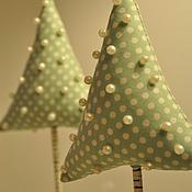 Елки ручной работы. Ярмарка Мастеров - ручная работа Миниатюрная елка на подставке. Handmade.