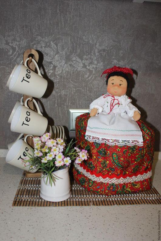 """Кухня ручной работы. Ярмарка Мастеров - ручная работа. Купить Кукла-""""Баба"""" на чайник. Handmade. Ярко-красный, подарок на новый год"""