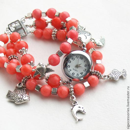 """Часы ручной работы. Ярмарка Мастеров - ручная работа. Купить """"Рыбки"""" - часы-браслет (коралл). Handmade. Коралловый, часы из коралла"""