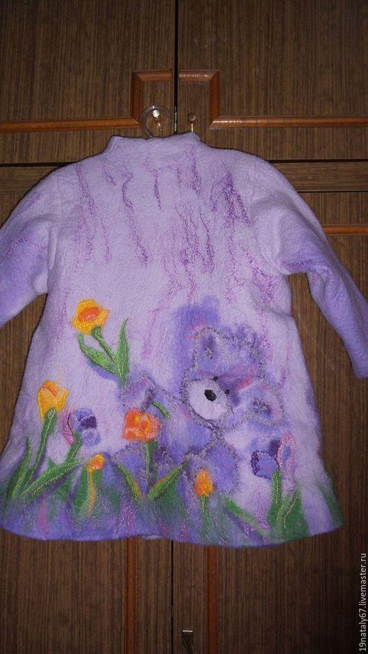"""Одежда для девочек, ручной работы. Ярмарка Мастеров - ручная работа. Купить Валяное пальто """"Мишка на день рожденья"""". Handmade. медвежонок"""