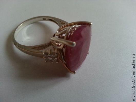 Кольца ручной работы. Ярмарка Мастеров - ручная работа. Купить Кольцо с природным полосатым рубином в серебре 925. Handmade. Фуксия