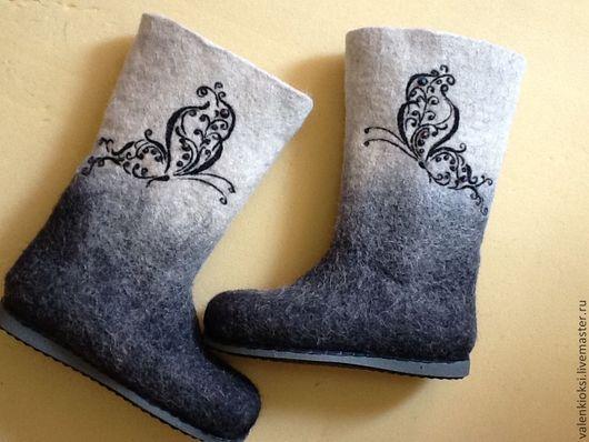 """Обувь ручной работы. Ярмарка Мастеров - ручная работа. Купить Валенки """"Бабочки"""". Handmade. Чёрно-белый, валенки с рисунком, зима"""