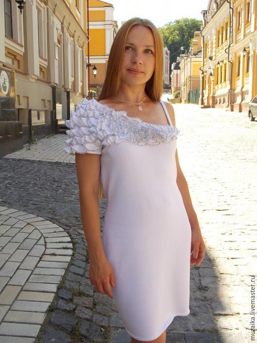 """Платья ручной работы. Ярмарка Мастеров - ручная работа. Купить Вязаное платье """"Белая снежность"""". Handmade. Белый, платье вязаное"""