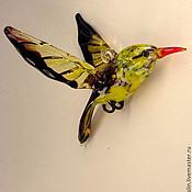 Подарки к праздникам ручной работы. Ярмарка Мастеров - ручная работа Подвесная фигурка  из цветного стекла Птица Иволга Miagolare. Handmade.
