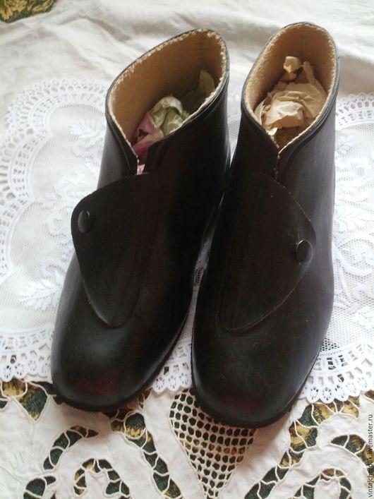 Винтажная обувь. Ярмарка Мастеров - ручная работа. Купить Ретро  Боты резиновые . винтаж СССР. Handmade. Черный, фотосессия, сапоги