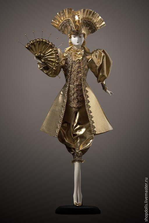 Коллекционные куклы ручной работы. Ярмарка Мастеров - ручная работа. Купить Кавалер в треуголке золотой. Handmade. Золотой, фарфоровая кукла