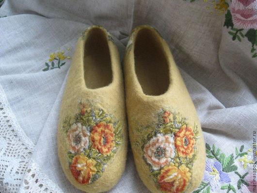 Обувь ручной работы. Ярмарка Мастеров - ручная работа. Купить Тапочки валяные Дуняша. Handmade. Тапочки валяные, шерсть овечья