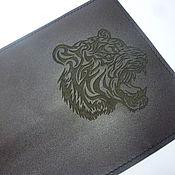 Канцелярские товары ручной работы. Ярмарка Мастеров - ручная работа Обложка для паспорта Тигр. Кожаная обложка на паспорт. Handmade.