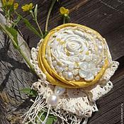 Брошь-булавка ручной работы. Ярмарка Мастеров - ручная работа Солнечный зайчик Брошь текстильная. Handmade.