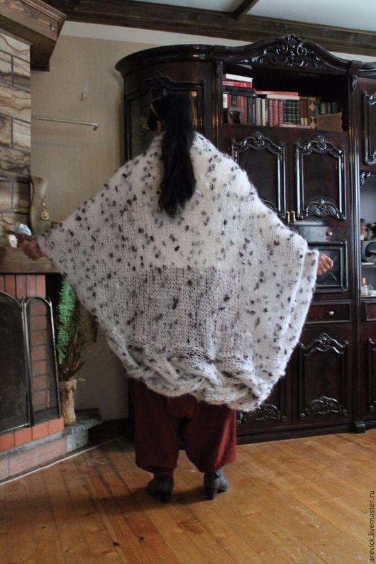 """Кофты и свитера ручной работы. Ярмарка Мастеров - ручная работа. Купить Кардиган в стиле """"бохо"""". Handmade. Белый, ручная работа"""