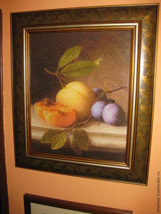 Натюрморт ручной работы. Ярмарка Мастеров - ручная работа. Купить вышитая картина Натюрморт с персиком и черносливом. Handmade. Вышивка ручная