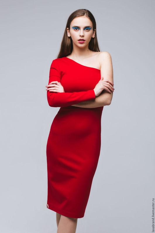 Платья ручной работы. Ярмарка Мастеров - ручная работа. Купить Платье с открытым плечом Королевский красный. Handmade. Ярко-красный