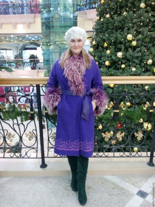 Верхняя одежда ручной работы. Ярмарка Мастеров - ручная работа. Купить Пальто зимнее с ламой. Handmade. Фиолетовый, пальто из шерсти