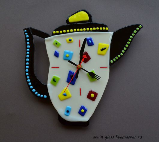 """Часы для дома ручной работы. Ярмарка Мастеров - ручная работа. Купить Часы из стекла, фьюзинг """"Время пить чай"""". Handmade."""