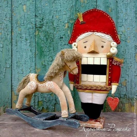 Коллекционные куклы ручной работы. Ярмарка Мастеров - ручная работа. Купить Щелкунчик. Handmade. Ярко-красный, лошадка-качалка, пряжа