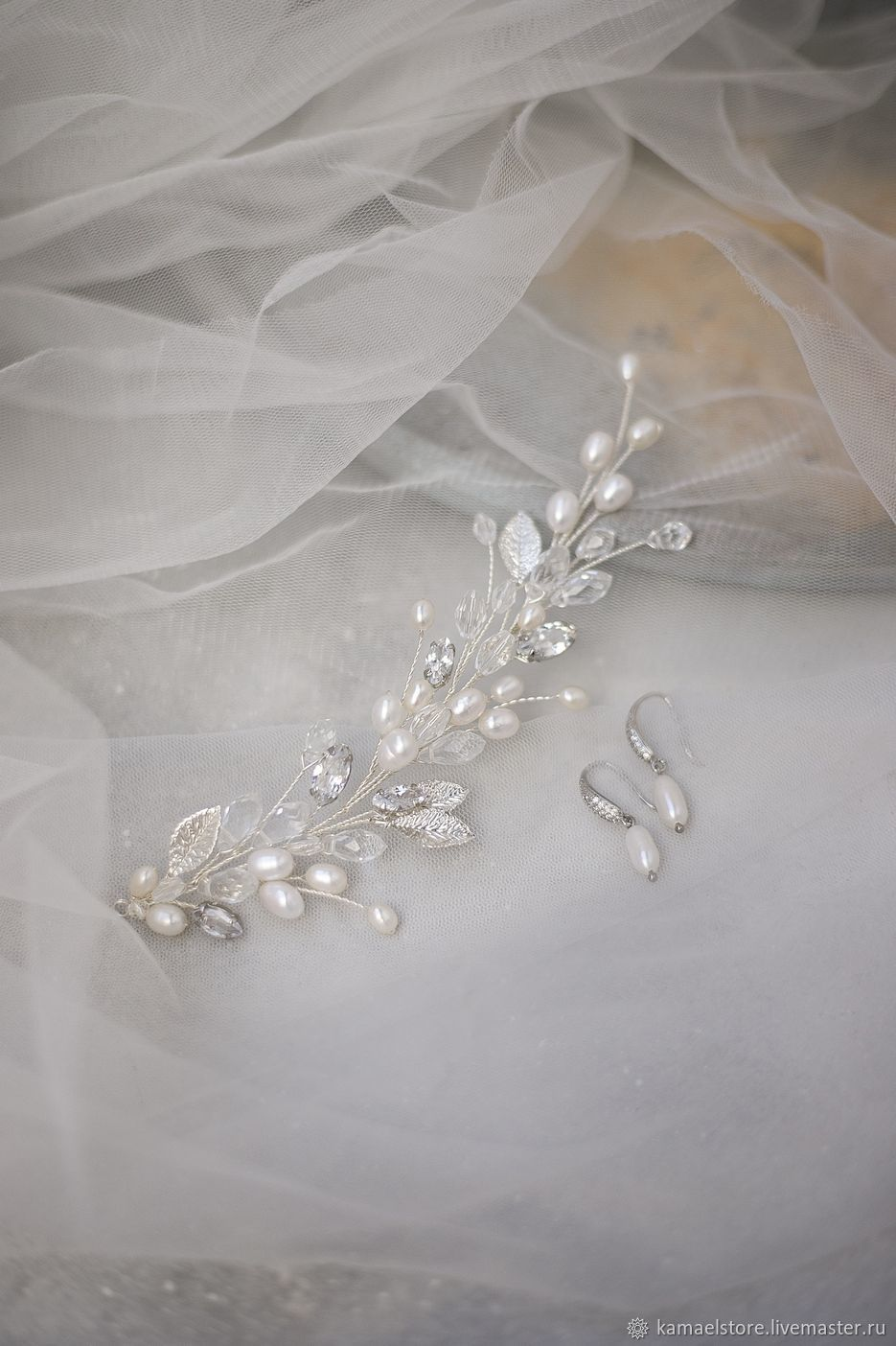 Wedding sprig with pearls. the decoration in the bride's hairstyle, Hair Decoration, Novorossiysk,  Фото №1