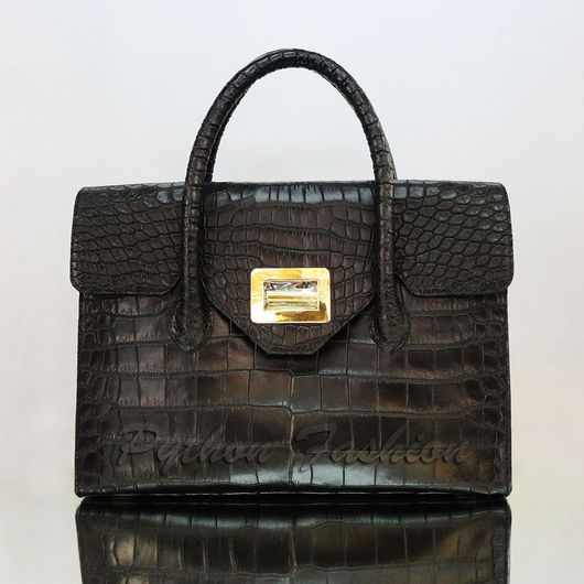 Дизайнерская сумка из крокодила. Авторская сумка из крокодиловой кожи. Красивая женская сумка из кожи крокодила. Модная крокодиловая сумка ручной работы. Вечерняя сумка из крокодила. Кожа крокодила.