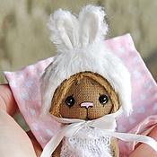 Куклы и игрушки ручной работы. Ярмарка Мастеров - ручная работа Мишка в шапочке зайки. Handmade.