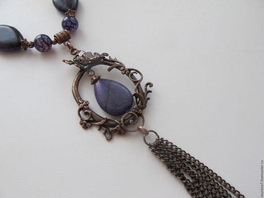 Колье с подвеской и кистью из натуральных камней авторское украшение ручной работы