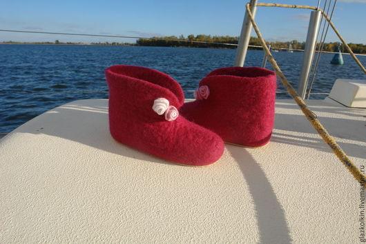 Обувь ручной работы. Ярмарка Мастеров - ручная работа. Купить Домашние тапочки. Handmade. Фуксия, ручная работа, лечебная обувь