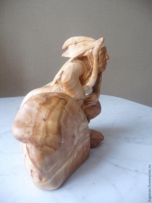 """Статуэтки ручной работы. Ярмарка Мастеров - ручная работа. Купить Скульптура из дерева """"Индеец апач"""". Handmade. Золотой, новинки из капа"""