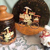 """Доски ручной работы. Ярмарка Мастеров - ручная работа Разделочная доска -панно из серии """"Повара на велосипедах"""". Handmade."""