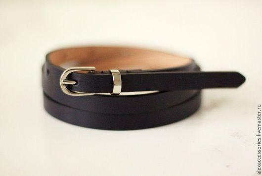 Пояса, ремни ручной работы. Ярмарка Мастеров - ручная работа. Купить Узкий кожаный темно-синий ремень. Handmade. Ремень
