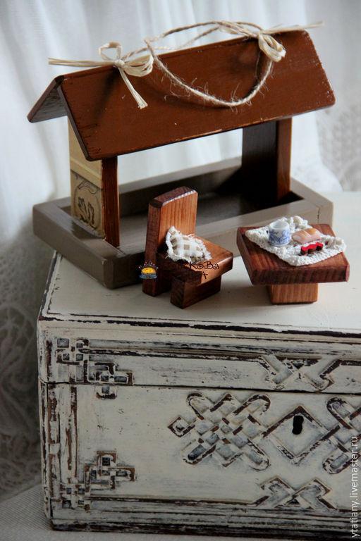 Персональные подарки ручной работы. Ярмарка Мастеров - ручная работа. Купить Веранда (подвеска-миниатюра). Handmade. Кормушка, миниатюра
