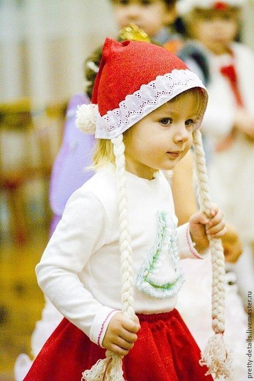 """Новогодний колпачок помощницы Деда Мороза. Ярмарка мастеров. Магазин """"Прелестные мелочи""""."""
