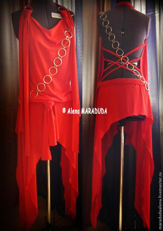Авторское платье и аксессуар. Копия с Жанны Фриске (в красном цвете). Трикотаж, мелалл. Вид спереди и сзади.