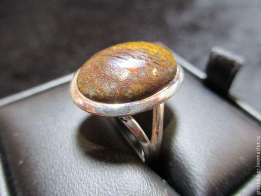 Кольца ручной работы. Ярмарка Мастеров - ручная работа. Купить Уникальное авторское кольцо с окаменелой костью динозавтра. Handmade. Разноцветный