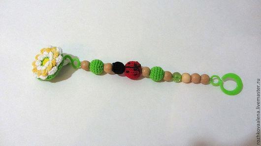 Развивающие игрушки ручной работы. Ярмарка Мастеров - ручная работа. Купить Держатель для пустышки Божья Коровка. Handmade. Зеленый, держатель