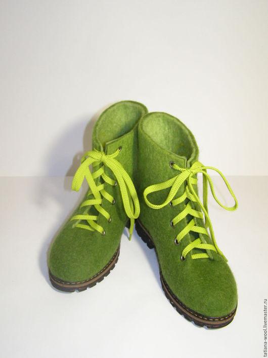 """Обувь ручной работы. Ярмарка Мастеров - ручная работа. Купить Ботинки валяные """"Зеленушки:)"""". Handmade. Оливковый, валенки ручной валки"""