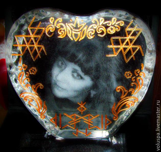 'Queen of heart',Crystal Stella with runes and laser engraved photo, Amulet, Sochi,  Фото №1
