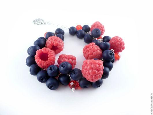 Браслеты ручной работы. Ярмарка Мастеров - ручная работа. Купить Лесная поляна, ягодный браслет из полимерной глины, малина и черника. Handmade.
