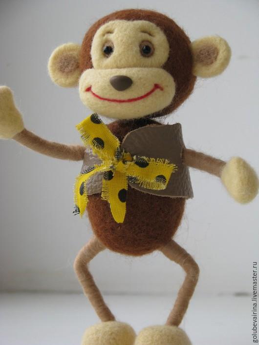 Игрушки животные, ручной работы. Ярмарка Мастеров - ручная работа. Купить обезьянка Шалунья. Handmade. Желтый, валяная игрушка, проволока