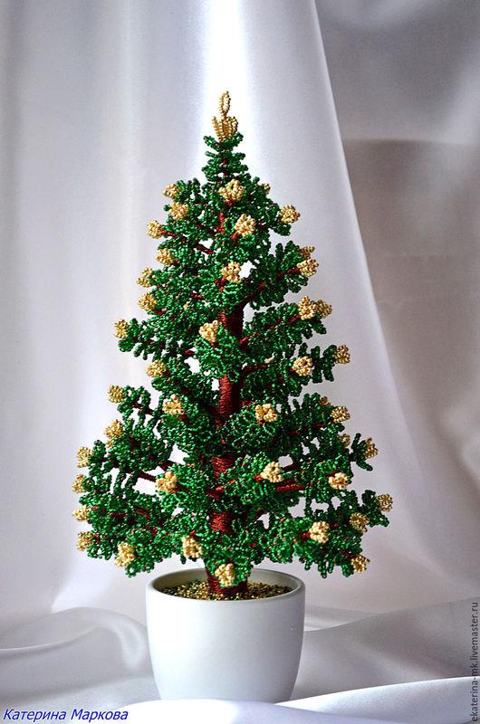 Деревья ручной работы. Ярмарка Мастеров - ручная работа. Купить Елочка с золотыми шишками из бисера. Handmade. Зеленый, зима, гипс