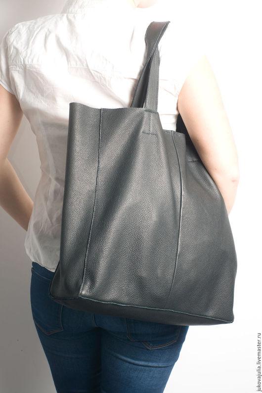 Женские сумки ручной работы. Ярмарка Мастеров - ручная работа. Купить Сумка пакет шоппер из натуральной кожи черная на плече. Handmade.