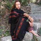 Шерстяная гималайская шаль из яка с этнической вышивкой